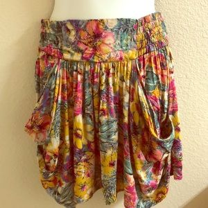 Topshop floral mini skirt sz 10 with pockets